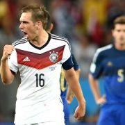 Lahm geht als Weltmeister - Die deutschen WM-Kapitäne (Foto)