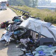 Neun Tote und 40 Schwerverletzte nach Busunglück (Foto)
