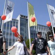 2500 Menschen protestieren gegen Stellenabbau bei WMF (Foto)