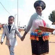 9-Jähriger heiratet 62-jährige Braut (Foto)