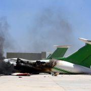47 Tote bei Kämpfen um Flughafen in Tripolis (Foto)