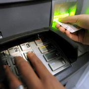 Datenklau an Geldautomaten - So schützen Bankkunden sich (Foto)
