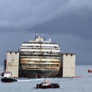 «Costa Concordia» wird unter Jubel abgeschleppt (Foto)