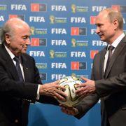 """Darum sind Putin und der FIFA-Boss so """"dicke"""" Freunde (Foto)"""