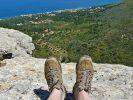 Ein guter Kompromiss: Wandern in den Bergen mit direkter Nähe zum Meer. (Foto)