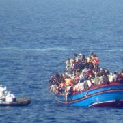 Bootsflüchtlinge unter Mordverdacht festgenommen (Foto)