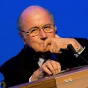 Joseph Blatter und UEFA-Chef Platini für 90 Tage gesperrt (Foto)