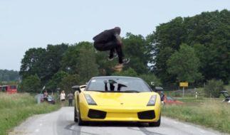 Al der Springer überwindet einen Lamborghini. (Foto)