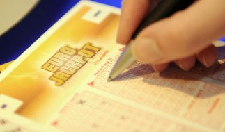 5 aus 50 und 2 aus 8 (Eurozahlen) - mit dem richtigen Tipp können Teilnehmer den Eurojackpot gewinnen. (Foto)