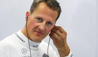 Mit Hilfe seines alten Freundes Kai Schnapka will sich Michael Schumacher nach seinem Skiunfall wieder ins Leben zurückkämpfen. (Foto)