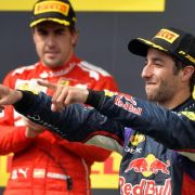 Ricciardo siegt im Regen-Crash-Rennen in Budapest (Foto)