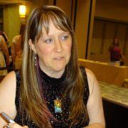 Eine Frau schreibt erfolgreich Schwulenromane (Foto)