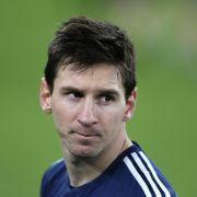 Platz 2: Letztes Jahr noch hatte Lionel Messi Ärger mit dem Fiskus. Bei so viel Geld kann man aber auch mal den Überblick verlieren. Barcelona zahlt dem Argentinier 70,5 Millionen Dollar (ca. 62 Millionen Euro).