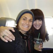 Glückliche Auswanderer: Nadine Angerer (links) mit Freundin Magda.