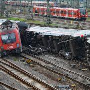 Horrorcrash: Güterzug rammt Eurocity (Foto)