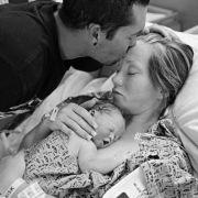 Rührendes Familienfoto - doch die Tochter ist tot! (Foto)