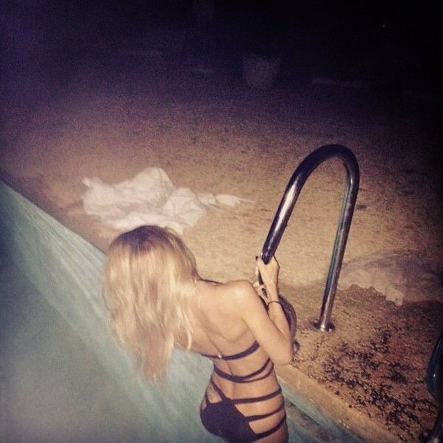 Ann-Kathrin Brömmel postet sexy Nachtbad-Bild (Foto)