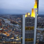 Schneller Abbau von Altlasten bringt Commerzbank voran (Foto)