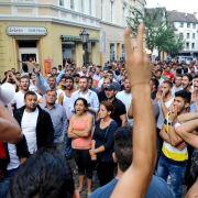 Polizei muss Islamisten und Jesiden mit Großeinsatz trennen (Foto)
