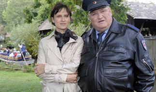 Horst Krause und Sophie Rois in Lehde bei den Dreharbeiten zum Polizeiruf 110 - Die Gurkenkönigin. (Foto)