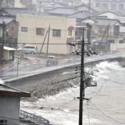 «Halong» wütet in Japan: Zwei Menschen sterben in Fluten (Foto)