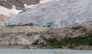 Bei einer Wanderung über den Nigardsbreen-Gletscher in Norwegen wurden die Eltern vor den Augen ihrer Kinder erschlagen. (Foto)