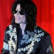 Michael Jackson urinierte zu Hause auf den Boden (Foto)