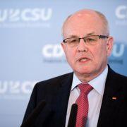 Kauder fordert Zustimmung der Grünen zu Asylrechtsänderung (Foto)