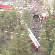 Zugunglück Schweiz: Waggons entgleist und in Tiefe gestürzt (Foto)