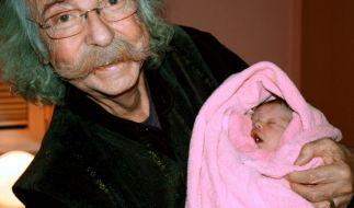 Natürlich die rühmliche Ausnahme: Jean Pütz wurde mit 74 Vater von Julie Josephine. (Foto)