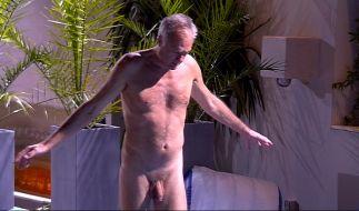 Wer braucht schon eine Badehose? Ronald Schill nicht. (Foto)