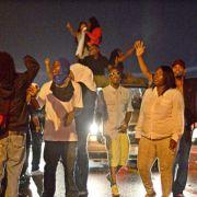 Trotz Ausgangssperre wieder Proteste in US-Stadt Ferguson (Foto)