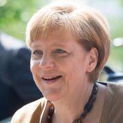 Angela Merkel nimmt eine Eisdusche (Foto)