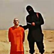 Die Terrorgruppe ISIS hat vermutlich einen amerikanischen Journalisten enthauptet. Nach Angaben der US-Regierung soll es sich um den vor zwei Jahren entführten Video-Journalisten James Foley handeln.