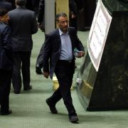 Machtkampf im Iran: Parlament setzt Reformer als Minister ab (Foto)