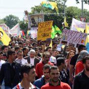 Auf der ganzen Welt demonstrieren Menschen gegen den Terror im Nahen Osten.