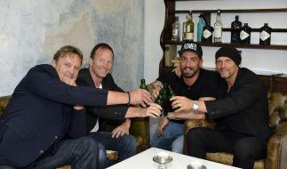 Reine Männerrunde beim perfekten Promi-Dinner (von links): Peter Althof, Alexander Leipold, Jan Leyk und Thorsten Legat. (Foto)