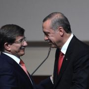 AKP-Parteitag bestätigt Davutoglu als Erdogan-Nachfolger (Foto)