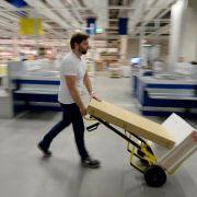 Ikea bietet Geld zurück für das alte Sofa (Foto)