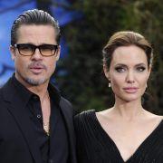 Brad und Angelina bezahlen Inselbewohner, damit sie verschwinden (Foto)