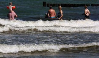 Viele Deutsche wissen nicht einmal von der unsichtbaren Gefahr im Badeurlaub. (Foto)