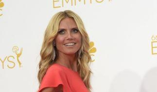 Heidi Klum in lange Robe gehüllt. Wo sind ihre Kurven geblieben? (Foto)