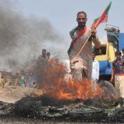 Regierungsfeindliche Proteste in Pakistan eskalieren (Foto)