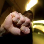 14-Jährige über Stunden geschlagen und mit Nazi-Parolen beschmiert (Foto)