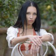 Aufgrund ihres russischen Hintergrunds hat die Übersetzerin Elena einen überaus charmanten Dialekt, dem man nicht widerstehen kann!