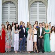 Drei Männer laden 18 Bewerberinnen in eine Luxusvilla in der Toskana ein, um die Frau fürs Leben zu finden. Drei Millionäre? Nein, nur einer von ihnen ist reich, aber wer ist der Millionär?