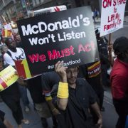 Fast-Food-Mitarbeiter streiken in 150 US-Städten für höheren Lohn (Foto)