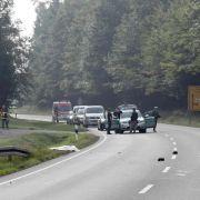 Toter Fußgänger am Straßenrand entdeckt (Foto)