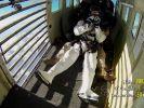 Joko bricht vor laufender Kamera zusammen. (Foto)
