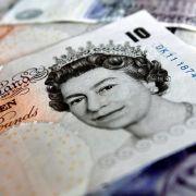 Britisches Pfund sinkt nach Schottland-Umfrage auf Jahrestief (Foto)